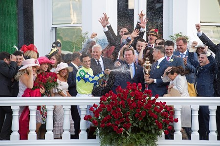 Always Dreaming with John Velazquez wins the Kentucky Derby (G1)