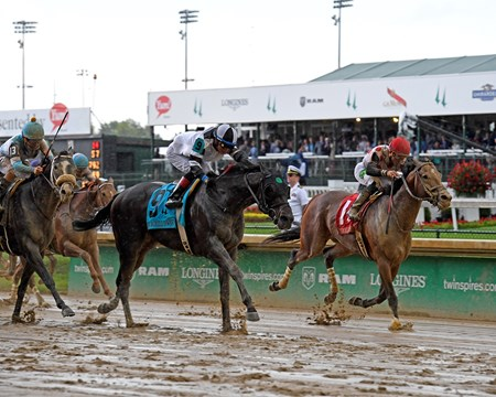 Limousine Liberal with Jose Ortiz Jr. wins Churchill Downs (G2)