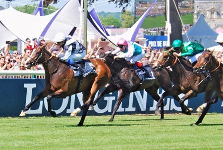 Senga takes the French Oaks by a length over Sistercharlie
