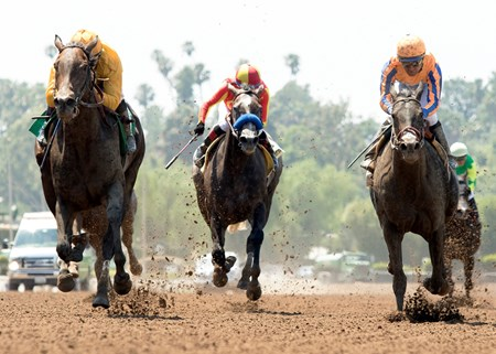 Bendable wins the 2017 Desert Stormer Stakes (G3)