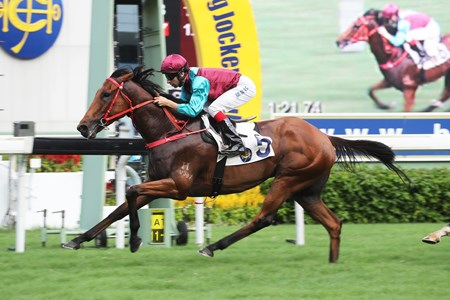 Beat The Clock impresses with his win in the Hong Kong University Alumni Association Challenge Cup Handicap under Joao Moreira at Sha Tin Racecourse on June 11 2017