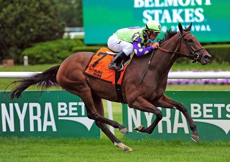 New Money Honey soars to victory in the Wonder Again Stakes at Belmont Park