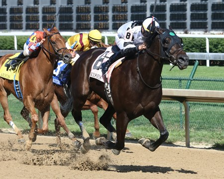 Limousine Liberal wins the 2017 Aristides Stakes
