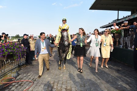 Ascend wins the 2017 Woodford Reserve Manhattan Stakes