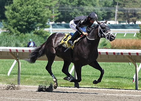 Sharp Azteca wins the 2017 Monmouth Cup (G3)