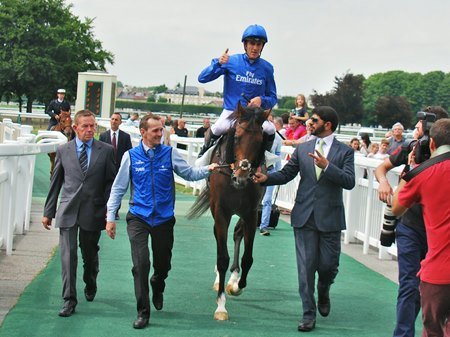 Thunder Snow and connections after winning the Prix Jean Prat