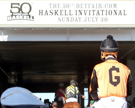 Girvin heading to the track prior to winning the 2017 Haskell Invitational (G1)