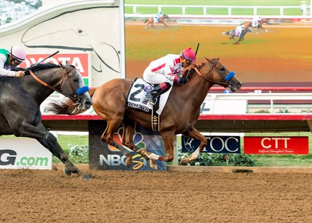 Collected just holds off Arrogate to win the Pacific Classic Aug. 19 at Del Mar
