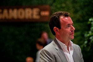 "British broadcaster Nick Luck called American racing ""an international racing product of serious note"""