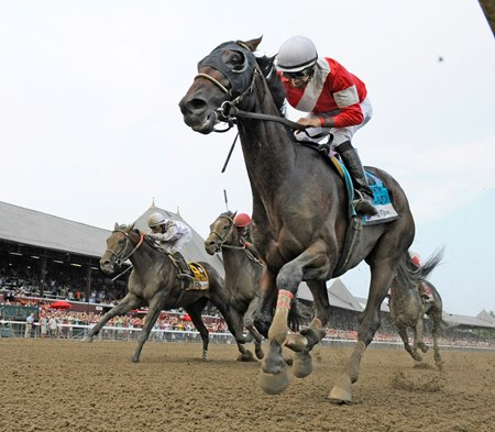 Fort Larned wins the Whitney Invitational Handicap (gr. 1)