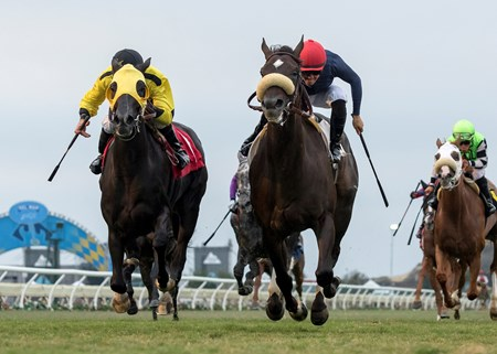 Majestic Heat and jockey Flavien Prat, right, outleg Moonless Sky (Kent Desormeaux), left, to win the $150,000 Solana Beach Stakes, Friday, August 11, 2017 at Del Mar Thoroughbred Club, Del Mar CA.