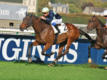 Please find attached photo at the finish of the Prix Du Bourdon Group 11 race at Chantilly won by Traffic Jam anfd Jockey S.Pasquier. best regrds, John Gilmore 2 Place des Bouleaux, Chantilly 60500 France Tel 0033 44 58 57 97