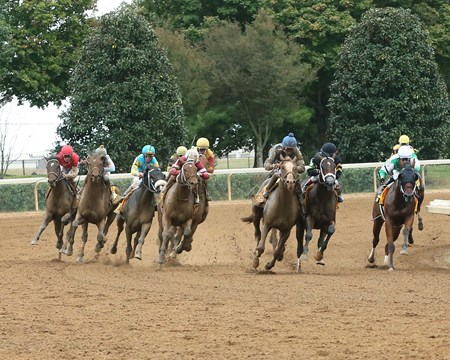 Free Drop Billy wins the 2017 Claiborne Breeders' Futurity