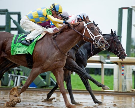Flameaway with Julien Leparoux wins the Dixiana Bourbon Stakes (G3)