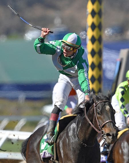 Bar of Gold, Irad Ortiz Jr. up, wins the G1 Breeders' Cup Filly & Mare Sprint