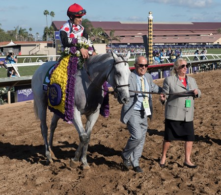 World Approval wins the Breeders Cup Mile on November 4, 2017