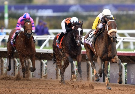 Forever Unbridled, John Velazquez up, wins the Gr.1 Breeders' Cup Distaff at Del Mar