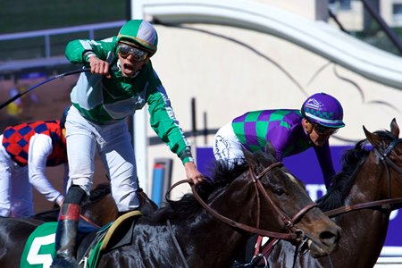 Bar Of Gold Delivers Rich Return In Filly Amp Mare Sprint