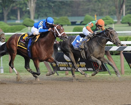 Golden Ticket and Alpha deadheat in the 2012 Travers