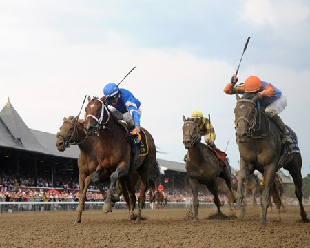 Golden TIcket (right) and Alpha deadheat in the 2012 Travers