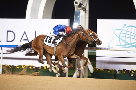 Winter Lightning (outside) edges past Rayya in the UAE One Thousand Guineas Trial