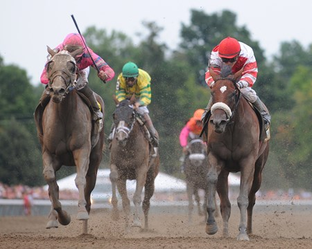Blind Luck wins the Alabama Stakes at Saratoga