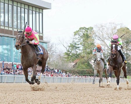 Cosmic Burst runs away with the Honeybee Stakes at Oaklawn Park