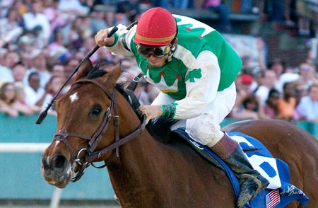 Afleet Alex back on track with runaway Arkansas Derby win.