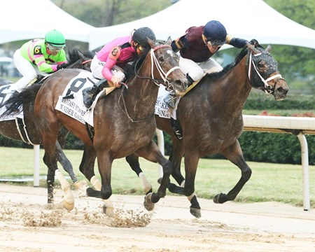 Sassy Sienna wins the 2018 Fantasy Stakes