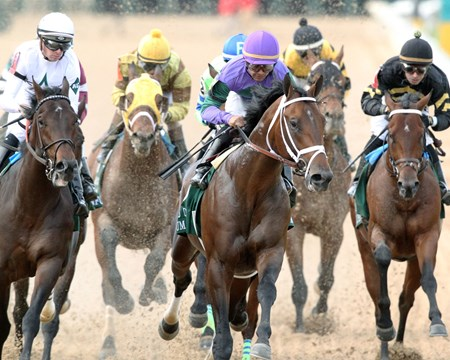 Magnum Moon wins the 2018 Arkansas Derby