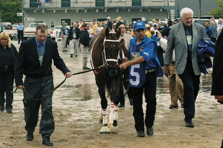 Smarty Jones begins The Walk in 2004 at Churchill Downs