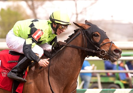 Goodonehoney wins the 2018 Weber City Miss Stakes