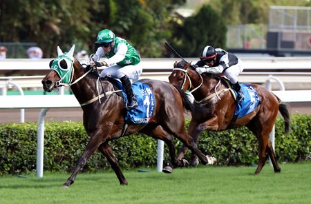 Pakistan Star wins the Standard Chartered Champions & Chater Cup at Sha Tin