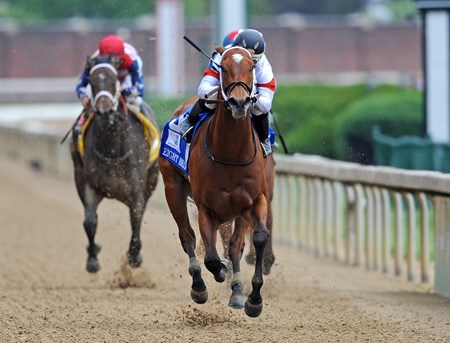(May 4, 2018) Mia Mischief, Ricardo Santana Jr. up, wins the Gr.2 Eight Belles at Churchill Downs