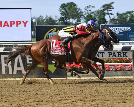 Bee Jersey wins 2018 Metropolitan Handicap at Belmont Park June 9, 2018.