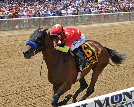 Abel Tasman wins 2018 Ogden Phipps Stakes under jockey Mike Smith at Belmont Park June 9, 2018.