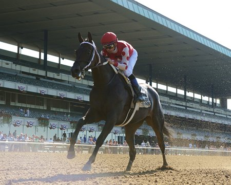 Midnight Bisou cruises to the wire under Mike Smith in the Mother Goose Stakes at Belmont Park