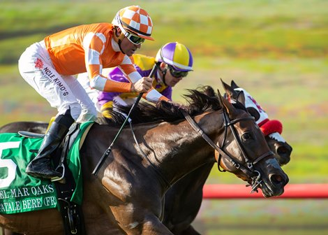 Fatale Bere Edges Ollie S Candy In Del Mar Oaks Bloodhorse
