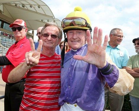 Jockey Perry Ouzts Rides 7 000th Winner Bloodhorse