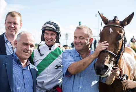 First Stakes Winner on Flat for Jumps Sire Oscar