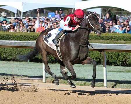 Midnight Bisou wins the Azeri Stakes at Oaklawn Park
