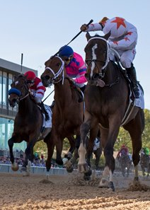 Lady Apple gets by Motion Emotion and Brill to take the Fantasy Stakes at Oaklawn Park