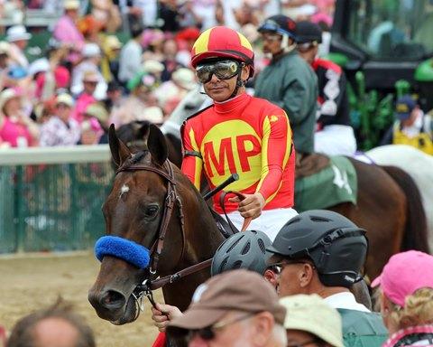 McKinzie Tops Star Field in Saratoga's Whitney Stakes