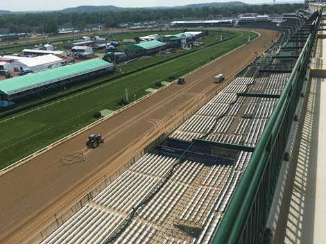 Churchill Downs Adds Rooftop Seating Padded Seats