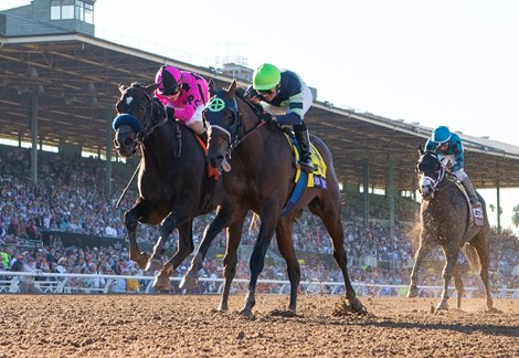 Storm The Court Upsets Breeders Cup Juvenile At 45 1
