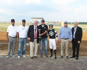 Shedaresthedevil wins 2020 Indiana Oaks at Indiana Grand