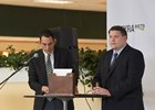 L-R: Keith Doleshel and Kevin Schnoor moderate the draw for the Belmont Stakes